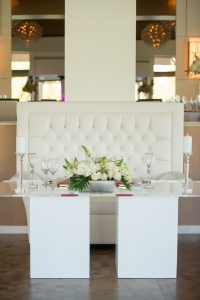 Sweetheart Table_Plexi Glass_Acrylic_White Wedding